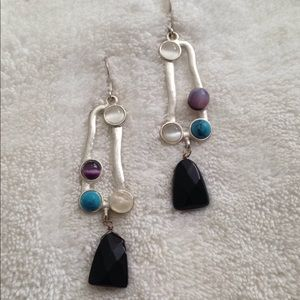 Artsy silver plated stone design earrings